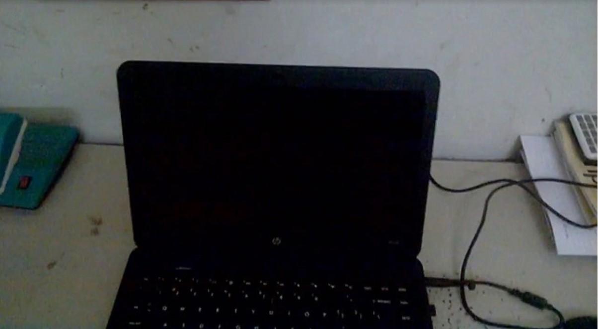 Laptop bật không lên màn hình