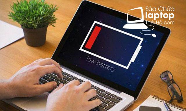 Tại sao laptop bị sập nguồn